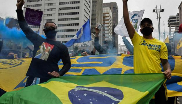 Desempleo sube al 13,3 % en Brasil por la pandemia, récord en tres años