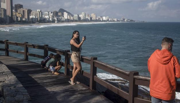 Río de Janeiro quiere que visitantes reserven con una aplicación su lugar en la playa