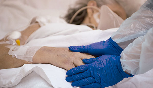 El 85 % de los hospitalizados por covid-19 en Francia no están vacunados