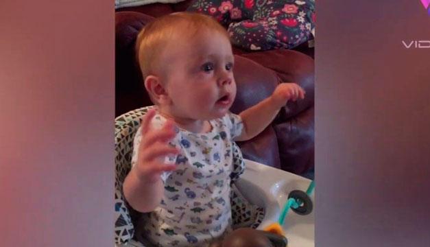 La melodía de la serie 'The Office' calma el llanto de este bebé