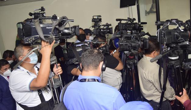 APES contabiliza 98 periodistas contagiados de covid-19