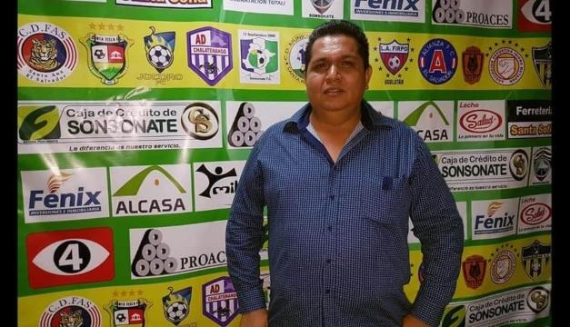 Walter Castaneda renuncia como presidente de Sonsonate