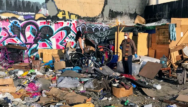 Así una madre salvadoreña inició el rescate de su hija de las calles de Los Ángeles
