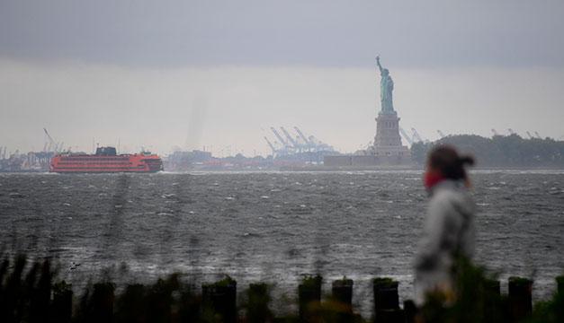 Más de 1,3 millones de personas sin electricidad en Nueva York por tormenta tropical Isaías