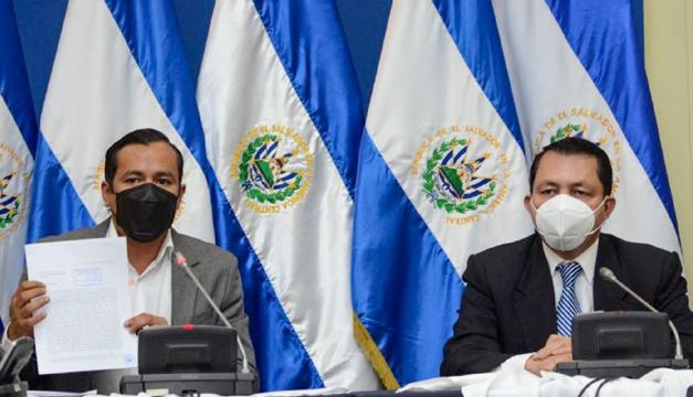Ministro de Hacienda presenta a diputados asignación presupuestaria de los $250 millones