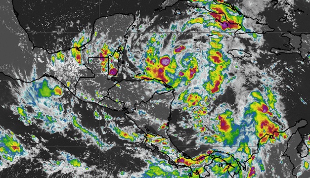 Depresión en el Atlántico se convertirá en tormenta tropical y en El Salvador advierten de desbordamientos
