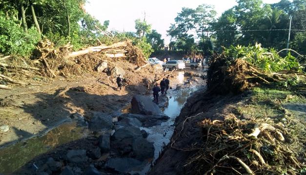 En fotos: La destrucción ocasionada por un deslave que soterró a caserío en Nejapa