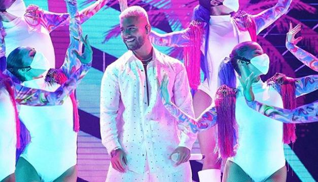 Momentos de los Premios Billboard 2020 que ocurrieron tras bambalinas