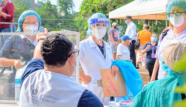 Cabinas móviles realizan pruebas gratuitas de covid-19 en San José Villanueva, La Libertad
