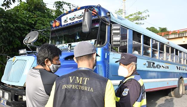 VMT sanciona a 23 rutas de buses y microbuses por dos infracciones recurrentes
