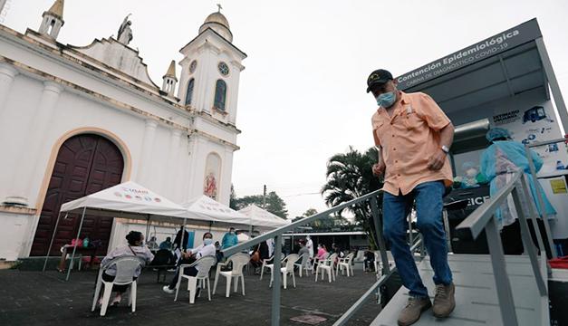 Gobierno realizó 300 pruebas covid en San Pedro Perulapán