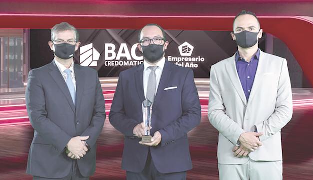 BAC Credomatic reconoce a Erazo y Rodríguez Inversiones como Empresario del Año