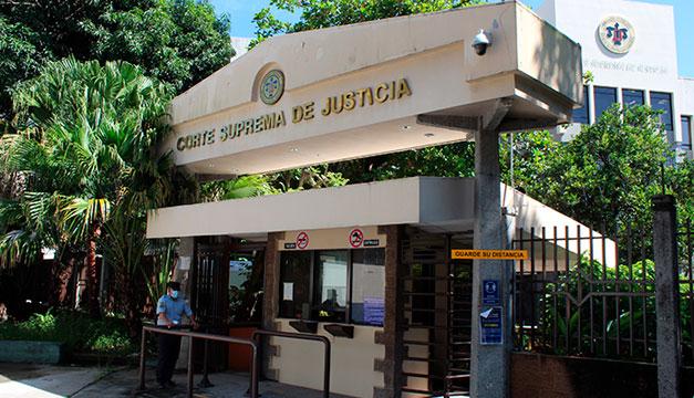 Sala anula suspensión de Roxana Soriano como comisionada del IAIP