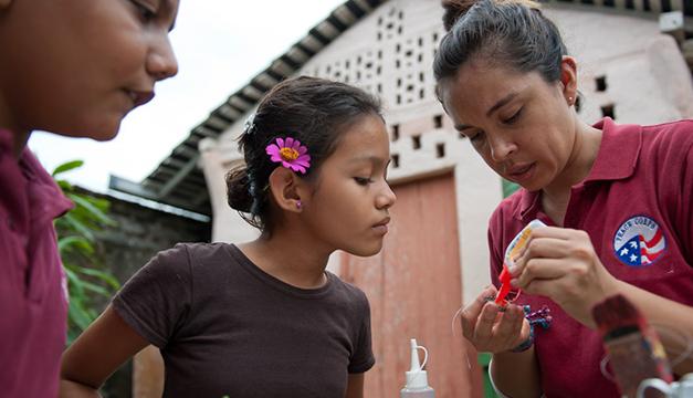 Voluntarios estadounidenses de Cuerpos de Paz vuelven a El Salvador tras retirarse por la violencia en 2016