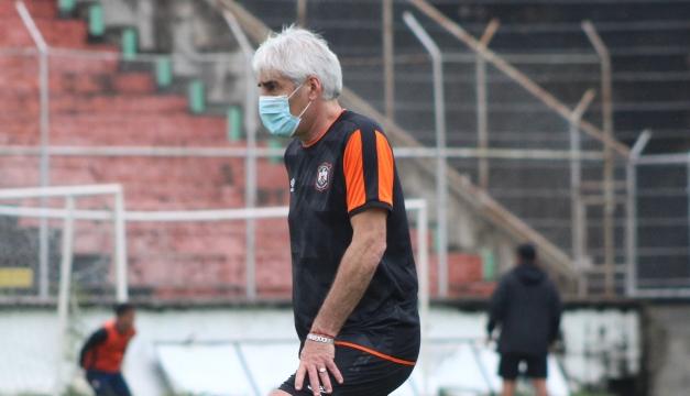 """Ernesto Corti: """"Hay un gran plantel y prometo llevar a Águila a lo más alto"""""""