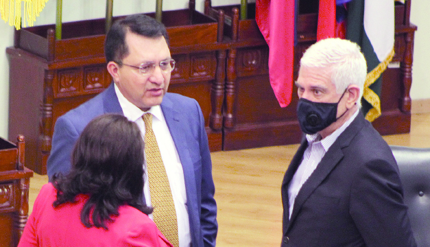 Diputados: Gobierno quiere asfixiar economía de municipalidades