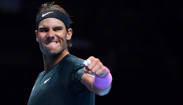 Nadal pasa a semifinales del Masters y elimina al campeón Tsitsipas