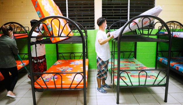 Suben a 1,064 los albergados en El Salvador por Iota