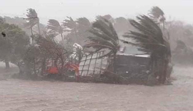 FOTOS: La ciudad nicaragüense de Bilwi siente los primeros embates del huracán Eta
