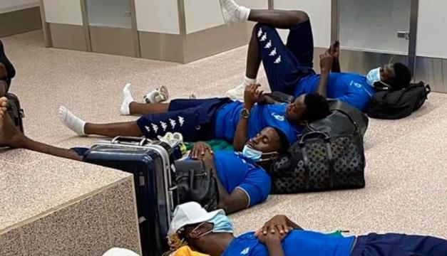 Gabón acusa a Gambia de perder en Liga de Naciones por retenerlos en el aeropuerto