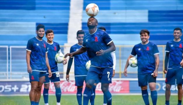 Oswaldo Blanco no continuará con Alianza FC