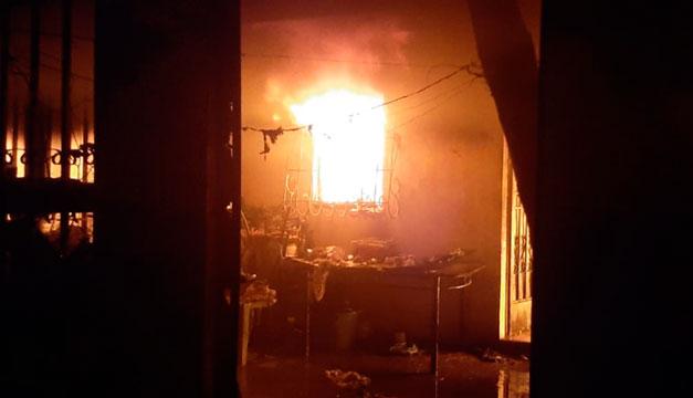 Incendio deja un fallecido y tres lesionados en Santa Ana