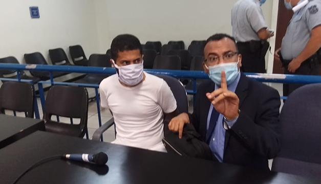 Sujeto enfrenta juicio por robo de $2,500 a usuario de banco en Altavista