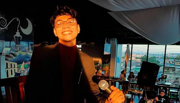 Gabriel Velásquez señala los retos de los escritores en El Salvador
