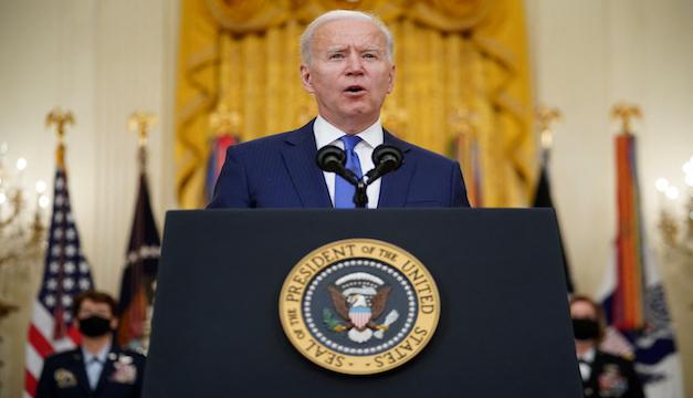 """Biden afirma que la violencia armada es una """"vergüenza internacional"""" y anuncia varias medidas para frenarla"""