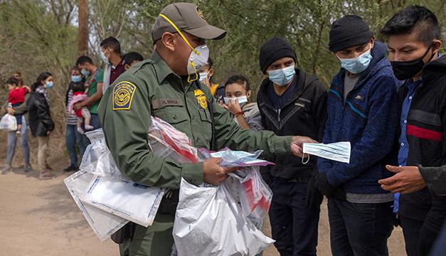 Más de 20.000 niños migrantes no acompañados se encuentran bajo custodia de EEUU