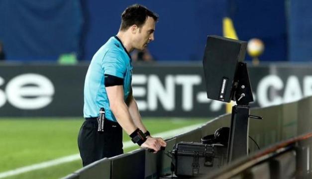 Estas son los nuevos cambios en el criterio arbitral en el fútbol