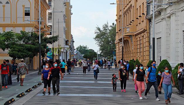 Un 63 % de los capitalinos cree en acciones del Gobierno Central