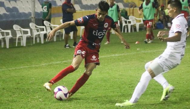 """Alianza FC sigue líder del grupo """"A"""" tras repartir puntos con C.D. FAS"""