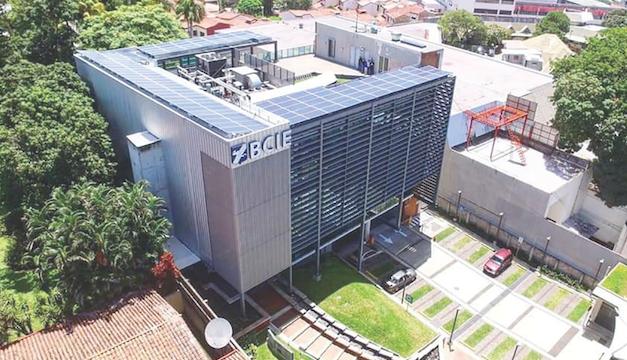 """BCIE anuncia $875 millones para iniciativas """"verdes"""" en El Salvador"""