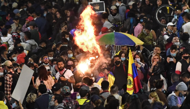 Al menos 10 mil manifestantes se reúnen en Bogotá en una nueva jornada de protestas