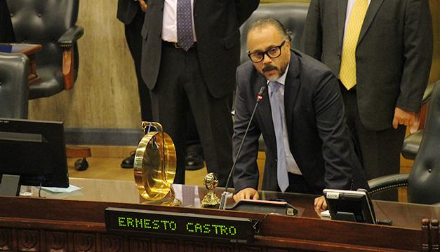 """Ernesto Castro lanza mensaje a """"la izquierda"""" y dice: """"No nos vamos a detener"""""""