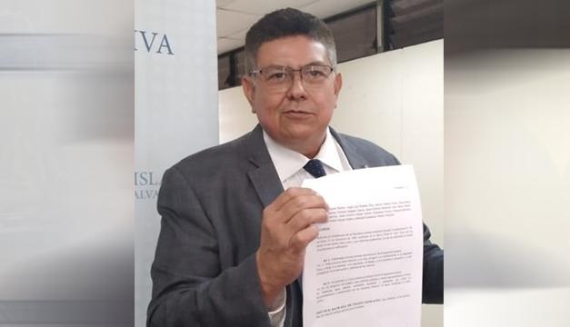 Mauricio Linares presenta pieza para ratificar derecho humano al agua