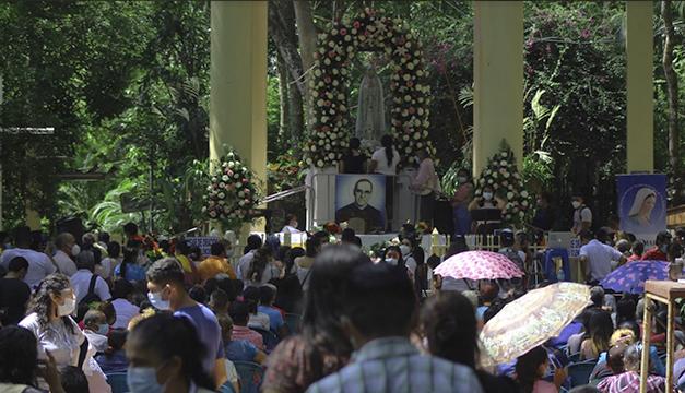 Devoción en el Santuario de Fátima en medio del covid-19