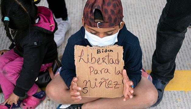 Más de 2,000 niños migrantes vuelven solos a EEUU tras se deportadas sus familias