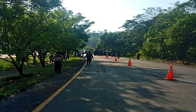 Dos fallecidos en accidente sobre Carretera Panamericana reporta Bomberos