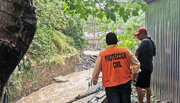 """Autoridades declaran """"Alerta Verde"""" y pronostican tres días de lluvia"""