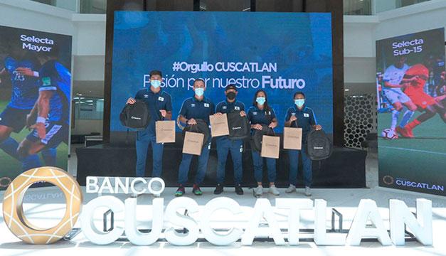 Banco CUSCATLAN apoya con US$150,000 a las 8 selecciones de fútbol de El Salvador