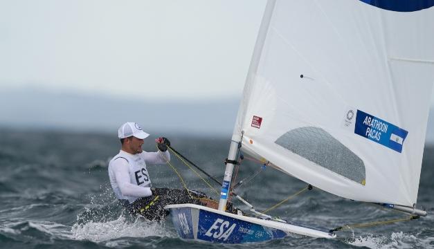 Enrique Arathoon eliminado de la carrera por medallas en vela olímpica