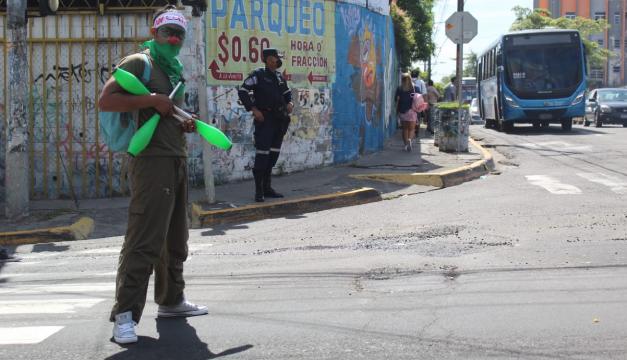 """""""Negar educación es una forma de matar"""": estudiantes conmemoran el 30 de julio y rechazan militarización"""