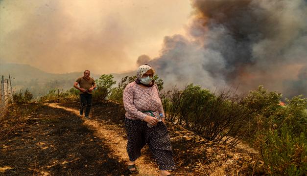 Incendios asolan el sur de Europa y fuerzan la evacuación de cientos de personas