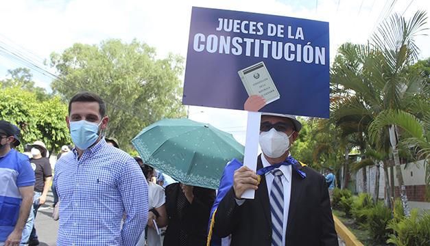 Cámara de familia de oriente ordena suspender la entrada en vigencia de decreto que cesa a jueces