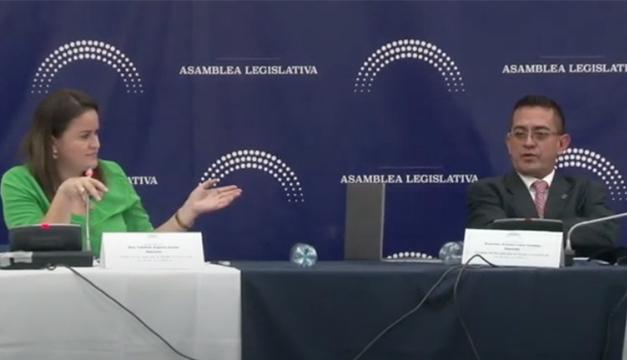 "Polémica por ley del agua: ""A mí no me pasan documentitos para proponer"""