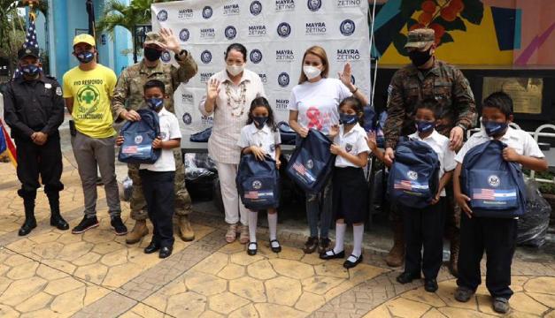 EEUU entrega kits escolares a más de 5 mil niños en estos departamentos