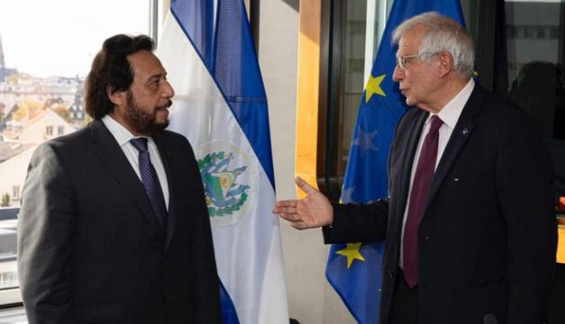 Jefe diplomático de la UE se reúne con Ulloa para discutir reforma constitucional y democracia